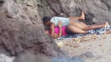Desi outdoor porn clip of a couple in a beach