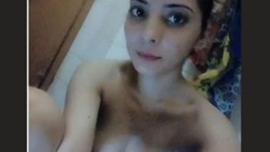 Cute Desi Girl Nude Selfie